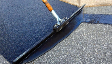 sealcoat_squeegee